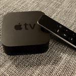 Apple TV 4 mit der praktischer Siri Remote Fernbedienung