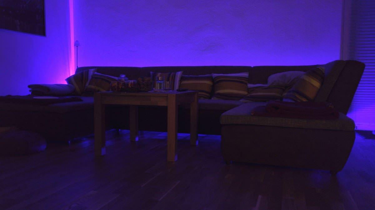 Selbstklebende Led Streifen Für Eine Indirekte Beleuchtung