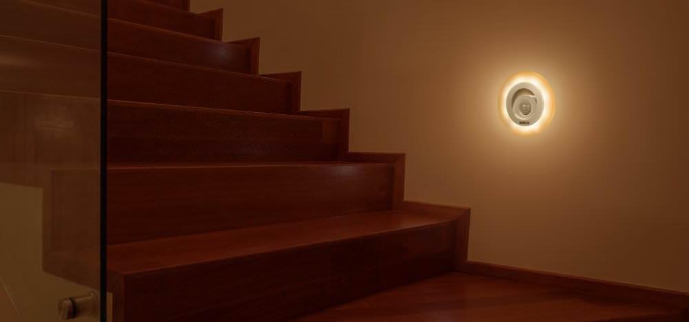 sch nes led nachtlicht mit bewegungsmelder f r. Black Bedroom Furniture Sets. Home Design Ideas