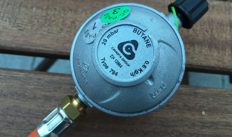 Gasflasche Für Gasgrill Obi : Alle informationen zu propangasflaschen fürs grillen und campen