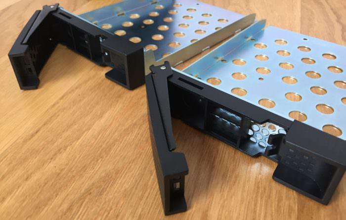 QNAP TS-253A Festplattenrahmen