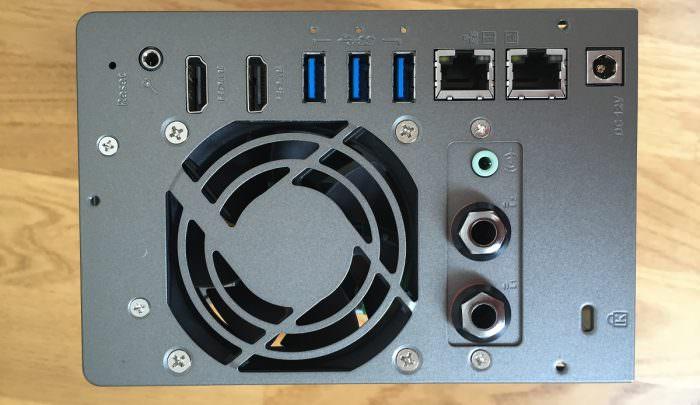 QNAP TS-253A Rück