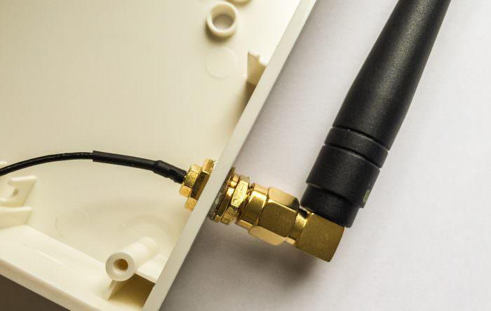Homematic - CCU2 neue Antenne - Durchführung