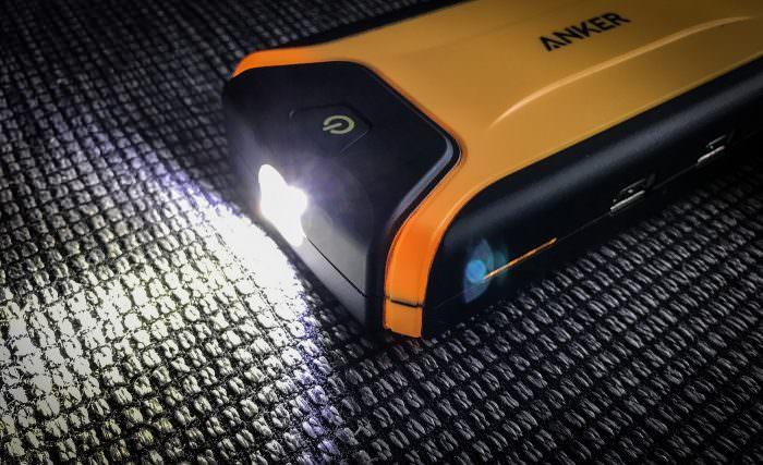 anker-kfz-powerbank-taschenlampe