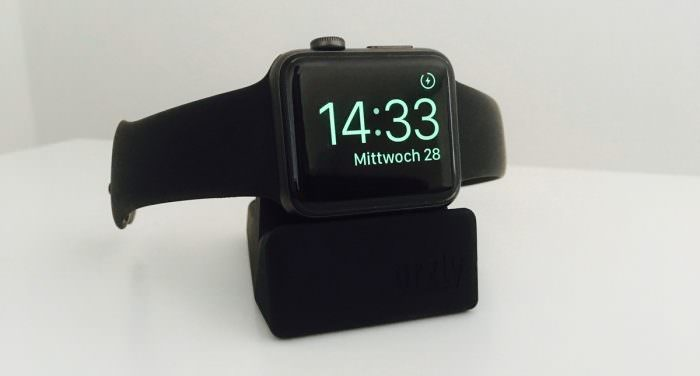 orzly-applewatch-nightstand-1