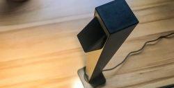 Stylische, helle und platzsparende Schreibtischlampe aus Alu